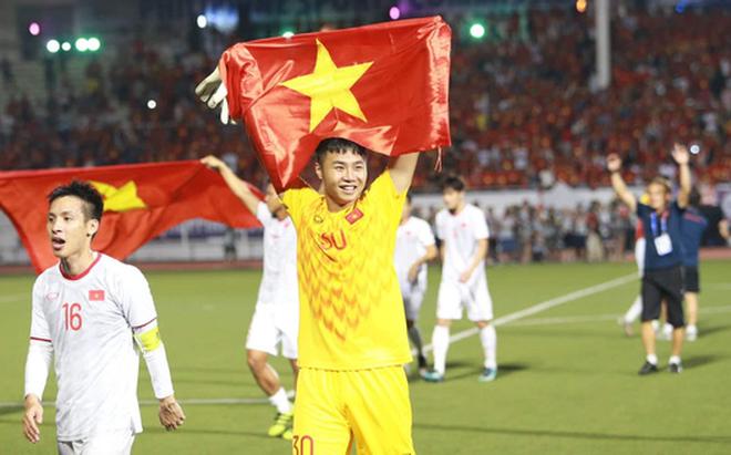 Hết gieo sầu cho Campuchia, thủ môn Văn Toản lại từ chối bàn danh dự của Indonesia