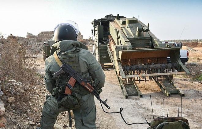 CẬP NHẬT: Tiêm kích Nga đánh chặn cường kích Israel ở Syria, 500 xe quân sự Mỹ ào ạt tiến vào Iraq - Ảnh 9.