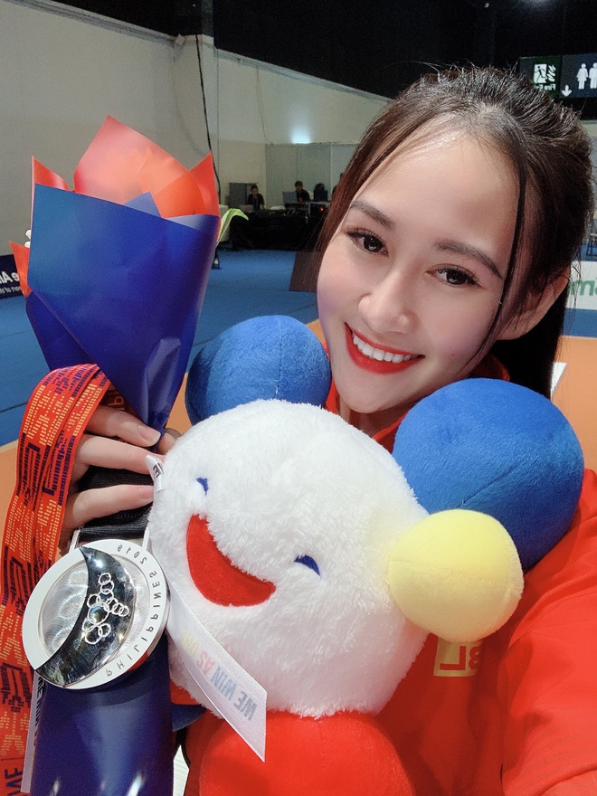 Nữ VĐV đấu kiếm Việt Nam cực hot tại SEA Games 30: Tài năng và sở hữu ngoại hình quyến rũ - Ảnh 1.