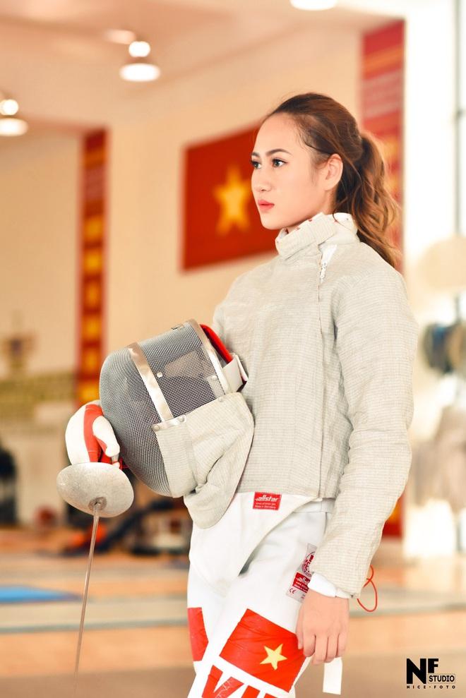 Nữ VĐV đấu kiếm Việt Nam cực hot tại SEA Games 30: Tài năng và sở hữu ngoại hình quyến rũ - Ảnh 6.