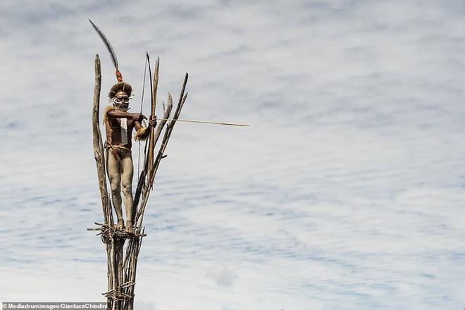 Những hủ tục kì lạ và đáng sợ của Dani - bộ tộc ăn thịt người trong truyền thuyết - Ảnh 16.
