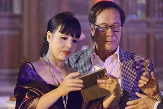 NSND Lan Hương Em bé Hà Nội không thích làm bà ngoại bỉm sữa, bất ngờ kể về tình yêu ở tuổi 56 - Ảnh 3.