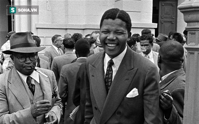 Trước khi rời đảo, viên sĩ quan hung ác nhất nói với Nelson Mandela 1 câu khiến ông kinh ngạc