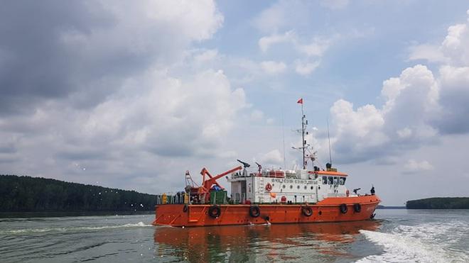 Tìm thấy 1 thi thể trong vụ 3 thợ lặn mất tích khi trục vớt tàu chìm trên sông Lòng Tàu - Ảnh 3.