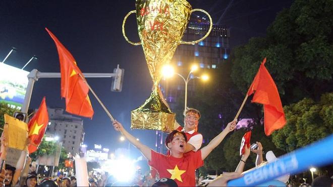 Đàm Vĩnh Hưng đề xuất mong muốn đặc biệt tới HLV Park Hang Seo  - Ảnh 3.
