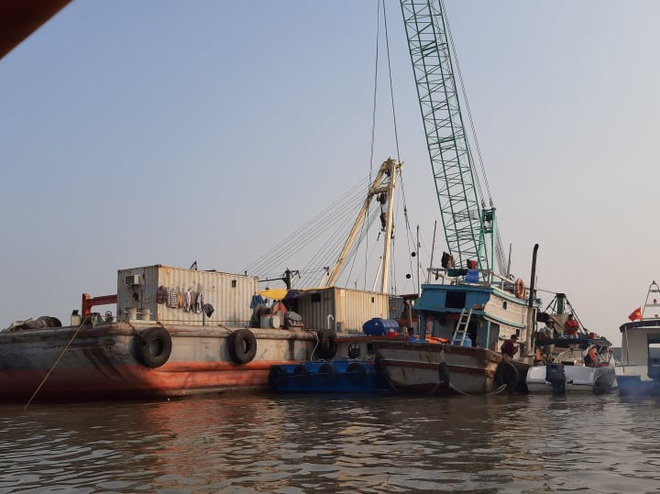 Tìm thấy 1 thi thể trong vụ 3 thợ lặn mất tích khi trục vớt tàu chìm trên sông Lòng Tàu - Ảnh 6.