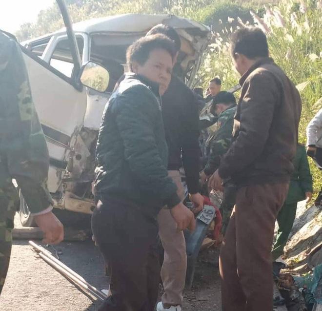 Hiện trường kinh hoàng vụ xe chở đoàn người khuyết tật đâm vào vách núi ở Nghệ An - Ảnh 3.