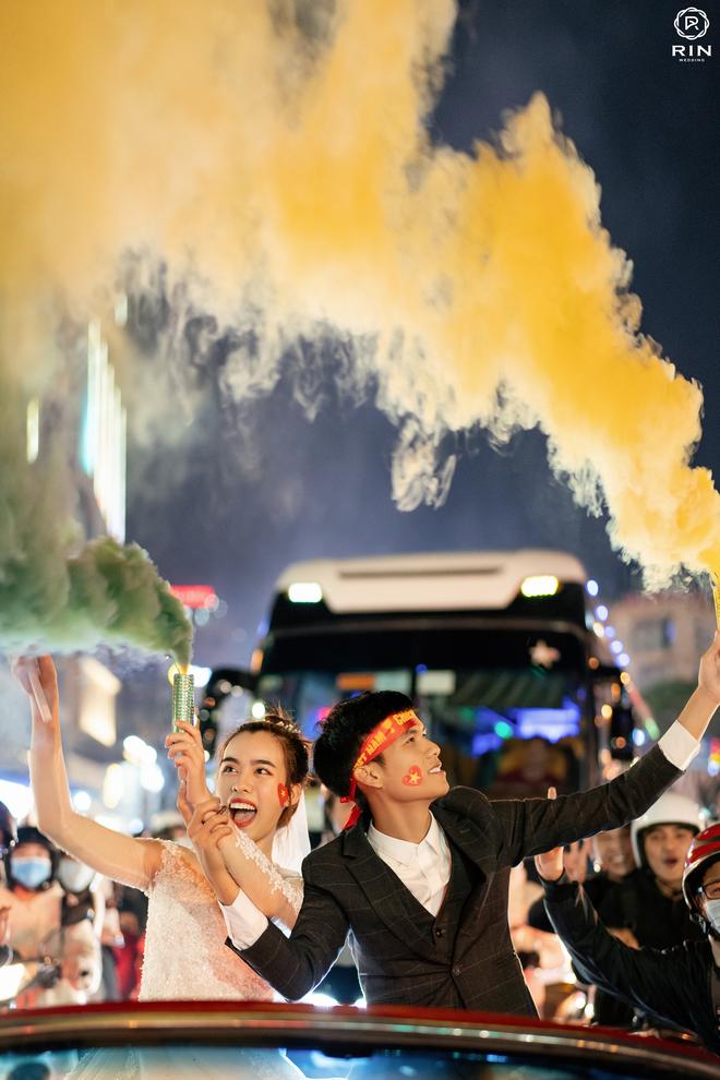 Việt Nam giành HCV SEA Games 30, cặp đôi lên đồ đi bão rồi chụp luôn ảnh cưới - ảnh 2