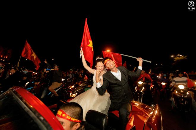 Việt Nam giành HCV SEA Games 30, cặp đôi lên đồ đi bão rồi chụp luôn ảnh cưới - ảnh 3