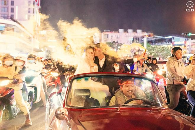 Việt Nam giành HCV SEA Games 30, cặp đôi lên đồ đi bão rồi chụp luôn ảnh cưới - ảnh 5