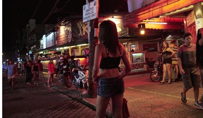 Du khách tới xem SEA Games tăng vọt, nạn mại dâm hoành hành ngay tại Philippines - Ảnh 1.