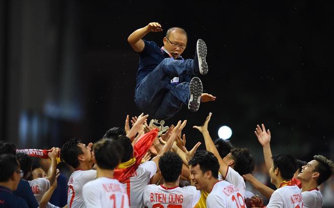 """Thủ tướng: """"Vui lắm, toàn dân phấn khởi"""" khi U22 Việt Nam vô địch SEA Games 30"""
