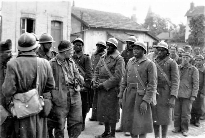 Hy hữu những trường hợp đầu hàng và bị bắt làm tù binh trong Thế chiến II - Ảnh 6.