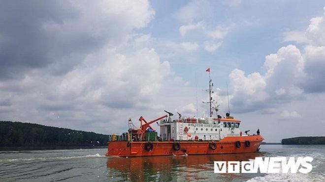 Ảnh: Cận cảnh việc tìm kiếm, cứu hộ 3 người mất tích khi vớt tàu ở Cần Giờ - Ảnh 6.