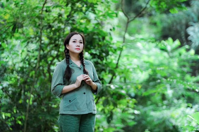 Lần hiếm hoi NSND Lan Hương chịu đóng MV ca nhạc - Ảnh 10.