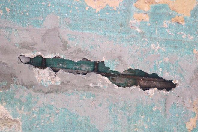 Cận cảnh lớp xốp khổng lồ trong bê tông ở cây cầu hơn 7 tỷ đồng tại Hà Tĩnh - Ảnh 5.