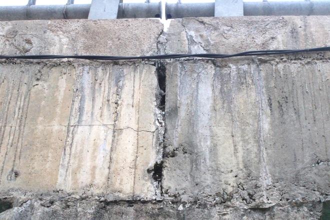 Cận cảnh lớp xốp khổng lồ trong bê tông ở cây cầu hơn 7 tỷ đồng tại Hà Tĩnh - Ảnh 14.
