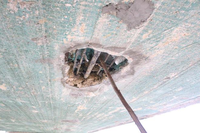 Cận cảnh lớp xốp khổng lồ trong bê tông ở cây cầu hơn 7 tỷ đồng tại Hà Tĩnh - Ảnh 7.