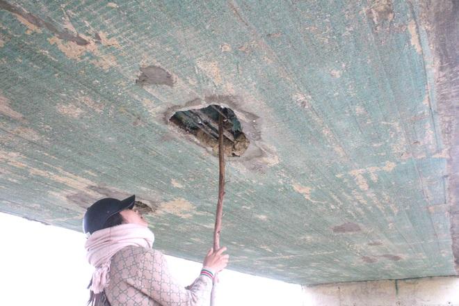 Cận cảnh lớp xốp khổng lồ trong bê tông ở cây cầu hơn 7 tỷ đồng tại Hà Tĩnh - Ảnh 16.