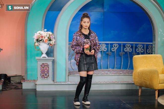 Cuộc sống bị mẹ rao bán của MC xinh đẹp VTV không được dùng tên thật khi lên sóng - Ảnh 29.
