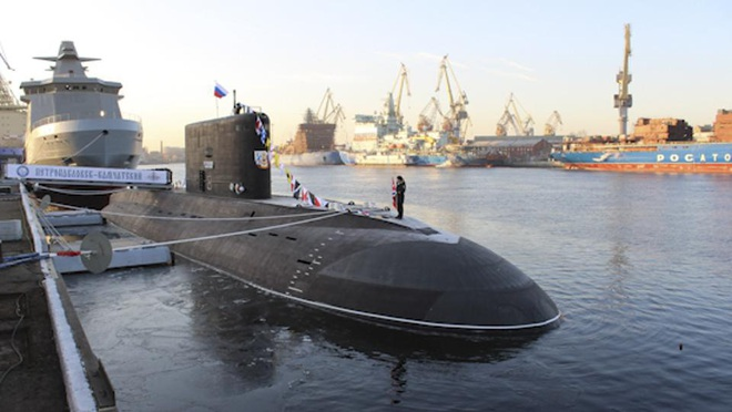 Forbes: Tàu ngầm mới nhất của Nga không giống bất cứ thứ gì mà Hải quân Mỹ có - Ảnh 1.