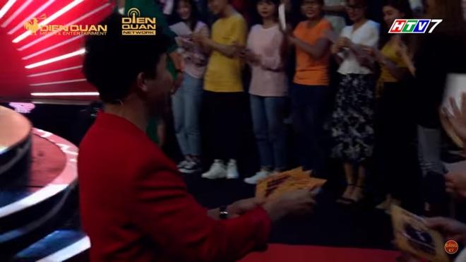 Trấn Thành, Trường Giang đua nhau dìm hàng Ngô Kiến Huy - Ảnh 1.