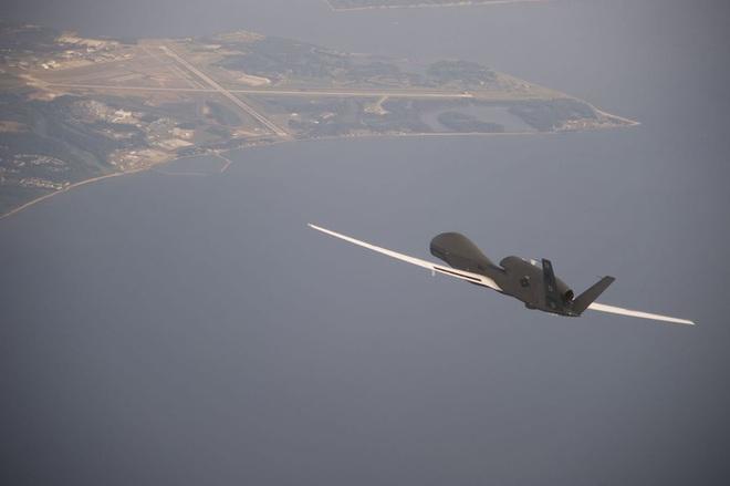 Thêm 1 UAV RQ-4A Global Hawk nữa ngã ngựa ở Trung Đông: Iran không đánh cũng thắng? - Ảnh 1.
