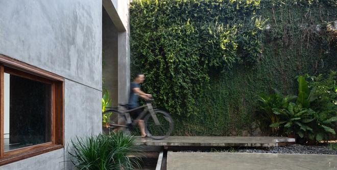 Độc đáo ngôi nhà với 3 mảnh sân tại Hà Nội trên báo Mỹ - Ảnh 1.