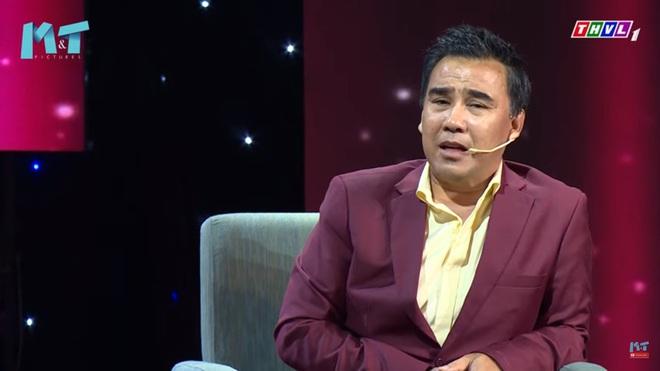 MC Quyền Linh: Tôi thích mặc quần xà lỏn, cởi trần, bê bát cơm ra trước cửa nhà ngồi ăn - Ảnh 3.