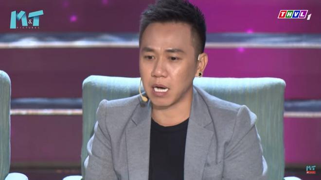 MC Quyền Linh: Tôi thích mặc quần xà lỏn, cởi trần, bê bát cơm ra trước cửa nhà ngồi ăn - Ảnh 4.
