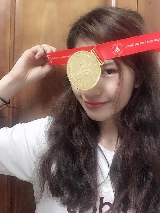 Hot girl Karate Việt Nam tham dự SEA Games 30: Mới gặp không ai nghĩ là một võ sĩ - Ảnh 2.