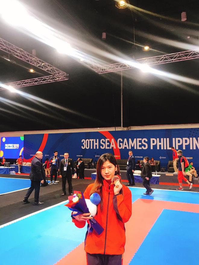 Hot girl Karate Việt Nam tham dự SEA Games 30: Mới gặp không ai nghĩ là một võ sĩ - Ảnh 1.