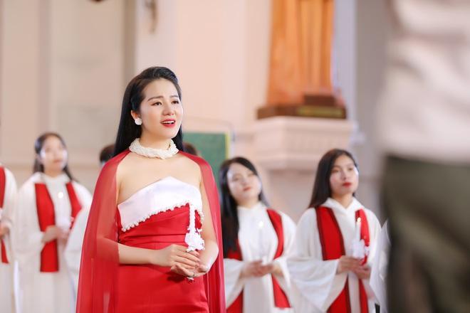 Phạm Thuỳ Dung tạm biệt năm 2019 bằng CD Moon - Ảnh 1.
