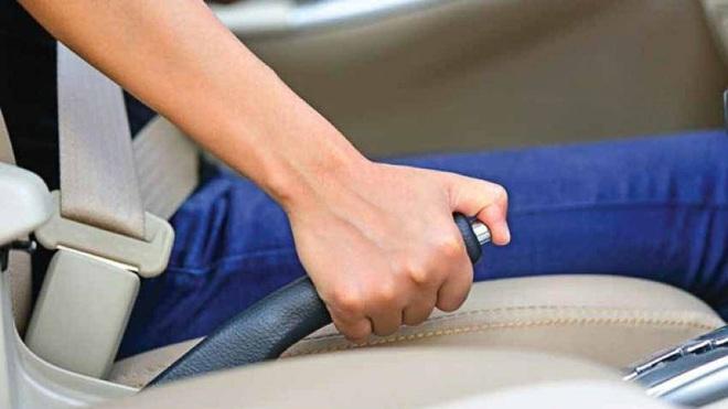 Quên những điều này khi tắt máy ô tô sẽ gây hại cho xe, hiểm nguy khôn lường - Ảnh 1.
