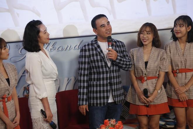 Quyền Linh nhận đỡ đầu nhóm nhạc nữ 10 thành viên - ảnh 2