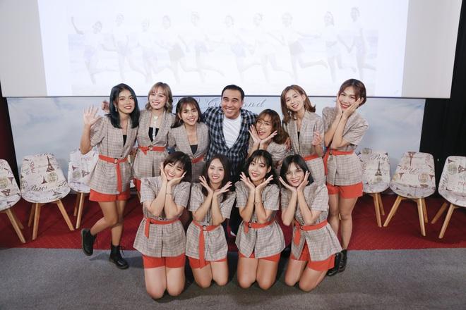 Quyền Linh nhận đỡ đầu nhóm nhạc nữ 10 thành viên - ảnh 4