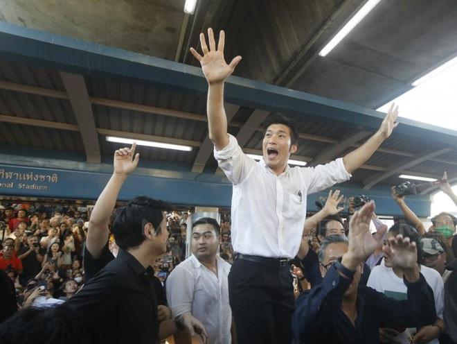 Thái Lan: Biểu tình lớn kỷ lục nổ ra tại thủ đô Bangkok kể từ sau cuộc đảo chính năm 2014 - Ảnh 6.