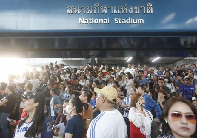 Thái Lan: Biểu tình lớn kỷ lục nổ ra tại thủ đô Bangkok kể từ sau cuộc đảo chính năm 2014 - Ảnh 8.