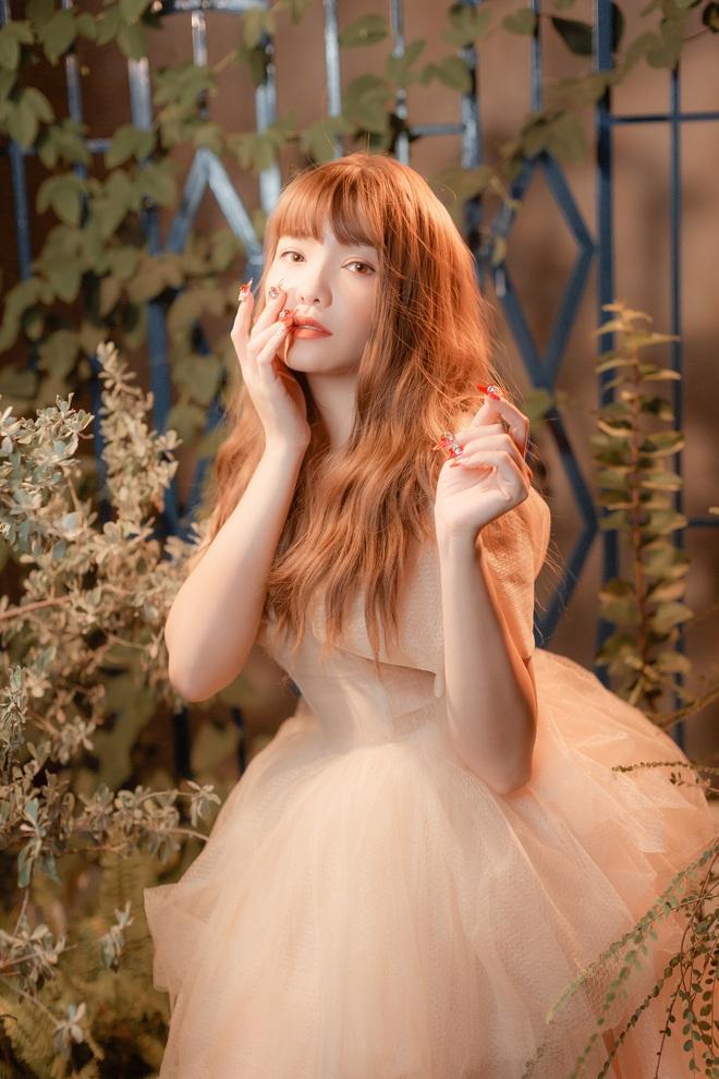 Hồng Kim Hạnh xinh như nàng công chúa trong MV mashup sắp phát hành - Ảnh 4.