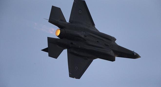 Israel không kích tan nát các mục tiêu Iran ở Syria: S-300 Nga trố mắt đứng nhìn? - Ảnh 1.