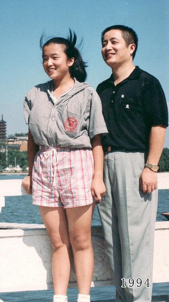 35 năm, bố và con gái chụp cùng một địa điểm: Sự thay đổi ở từng bức ảnh khiến tất cả xúc động - ảnh 14