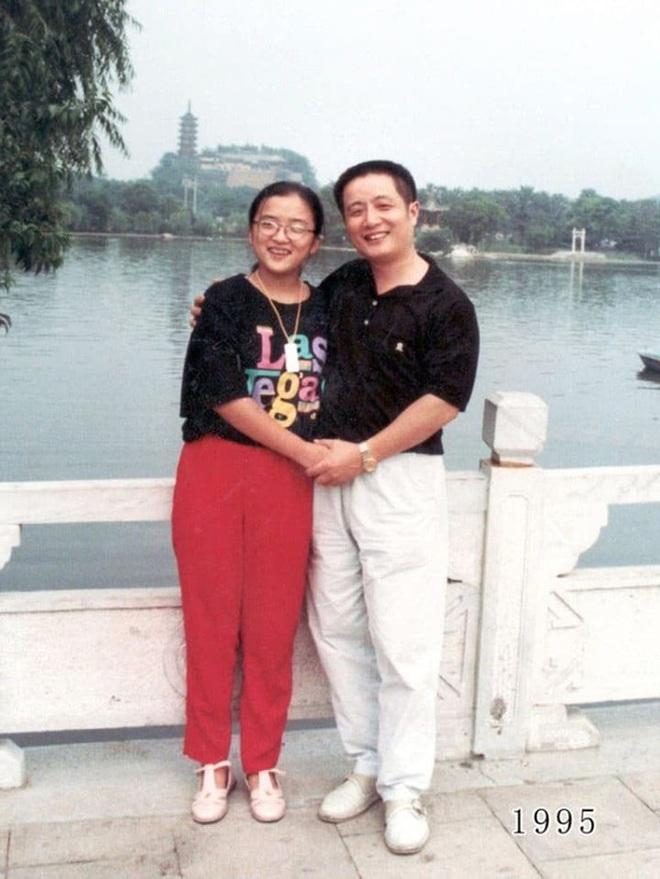 35 năm, bố và con gái chụp cùng một địa điểm: Sự thay đổi ở từng bức ảnh khiến tất cả xúc động - ảnh 15