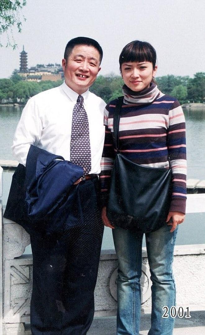 35 năm, bố và con gái chụp cùng một địa điểm: Sự thay đổi ở từng bức ảnh khiến tất cả xúc động - ảnh 20