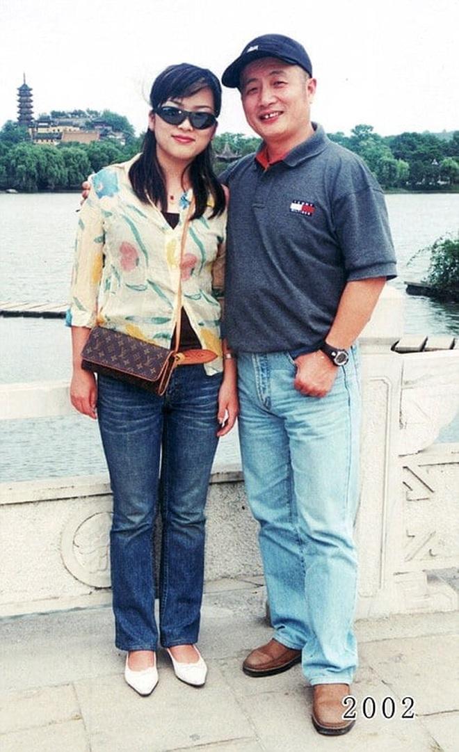 35 năm, bố và con gái chụp cùng một địa điểm: Sự thay đổi ở từng bức ảnh khiến tất cả xúc động - ảnh 21
