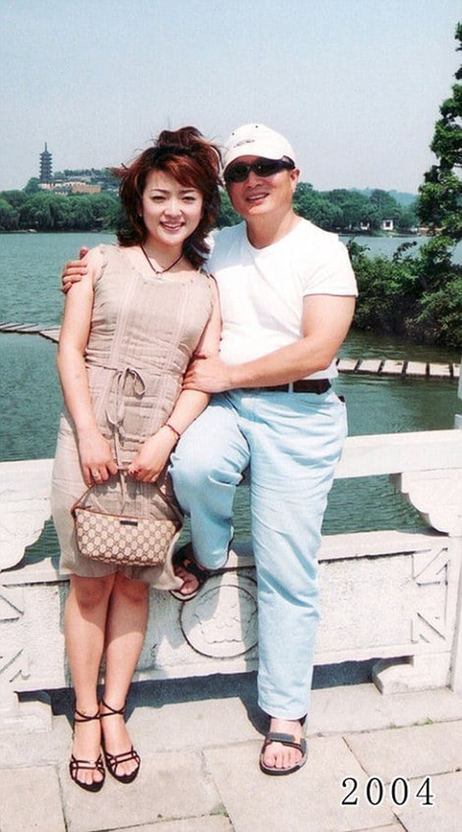 35 năm, bố và con gái chụp cùng một địa điểm: Sự thay đổi ở từng bức ảnh khiến tất cả xúc động - ảnh 23