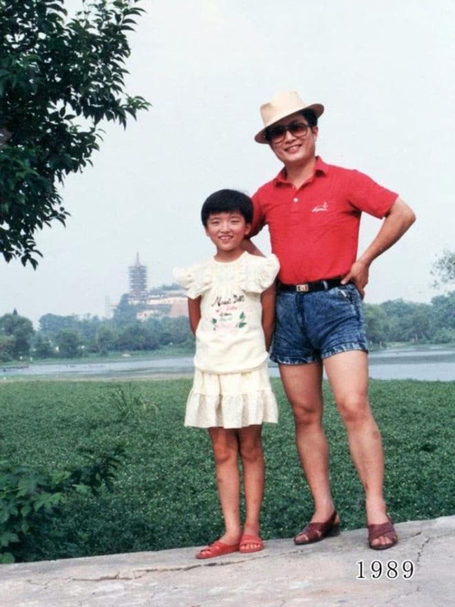 35 năm, bố và con gái chụp cùng một địa điểm: Sự thay đổi ở từng bức ảnh khiến tất cả xúc động - ảnh 9