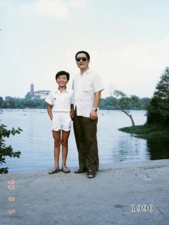 35 năm, bố và con gái chụp cùng một địa điểm: Sự thay đổi ở từng bức ảnh khiến tất cả xúc động - ảnh 10