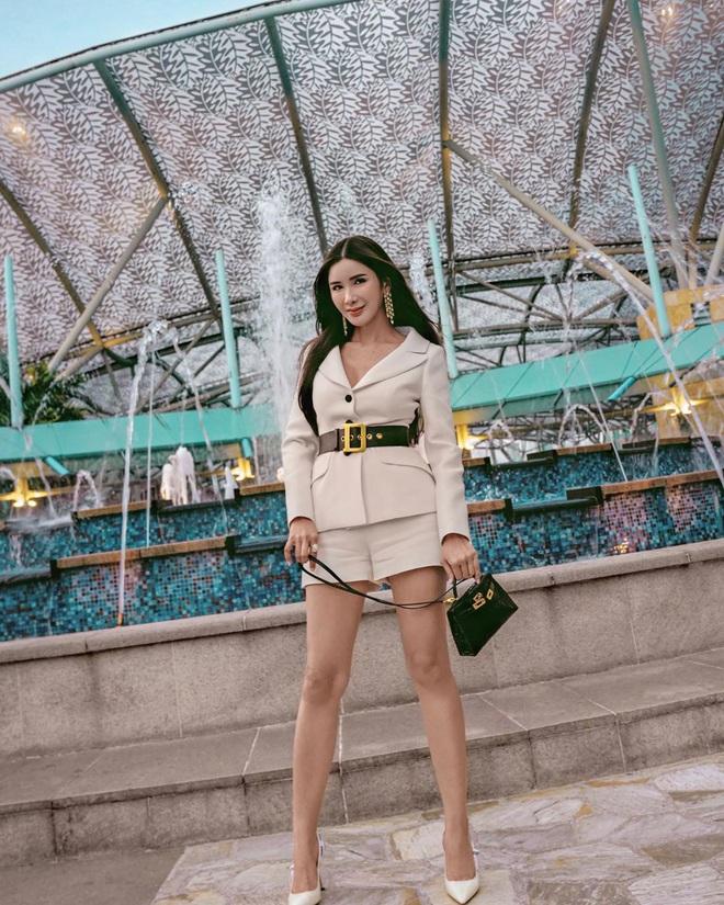 """Con gái của """"bà hoàng Hermes Jamie Chua: Tí tuổi đã mặc đồ hàng hiệu khắp người, mạnh dạn đầu tư kinh doanh thương hiệu phụ kiện riêng - Ảnh 2."""