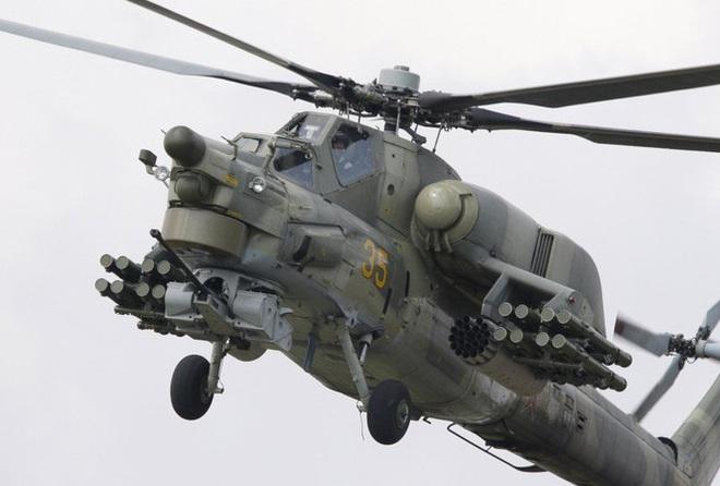 Nga công bố hình ảnh trực thăng Mi-28UB rơi trong khi bay huấn luyện - Ảnh 13.