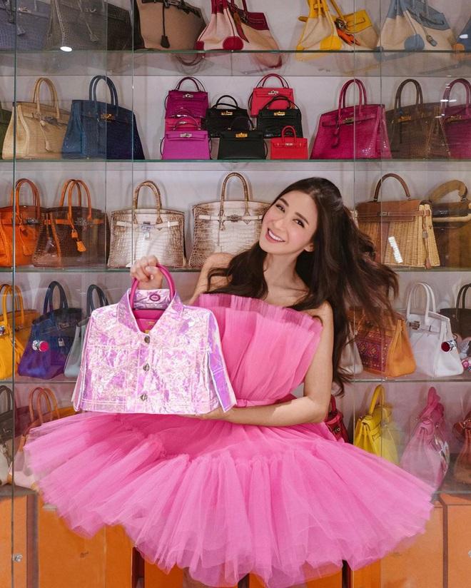 """Con gái của """"bà hoàng Hermes Jamie Chua: Tí tuổi đã mặc đồ hàng hiệu khắp người, mạnh dạn đầu tư kinh doanh thương hiệu phụ kiện riêng - Ảnh 3."""